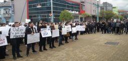 Bosna Hersek'te veliler Fatih öğretmene sahip çıktılar