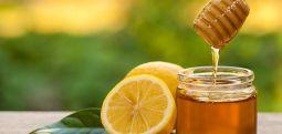 Pediatrit: Mjaltë dhe limon për shërimin e kollës