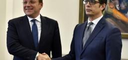 Средба Пендаровски-Вархеји: Фокусирани сме на перспективата за старт на преговорите за членство во ЕУ