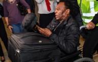 Pele'nin oğlu: 'Babam depresyona girdi, tek başına yürüyemediği için dışarı çıkmaya utanıyor'
