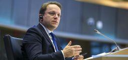 Вархеји: ЕУ мора да ги отвори пристапните преговори со Скопје и Тирана