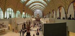 Koronavirüs salgınında sokağa çıkamayanlar can sıkıntısını müzeleri gezerek atıyor!