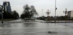 Rrugët e Shkupit janë të zbrazura, ora policore e vendosur gjatë fundjavës hyri në fuqi