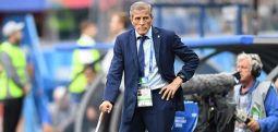 Uruguay federasyonu 14 yıldır takımın başında olan Tabarez'de dahil 400 kişiyi işten çıkardı