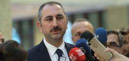 Bakan Gül: Duruşmalar 30 Nisan'a kadar ertelendi, cezaevlerindeki personel evlerine gönderilmeyecek