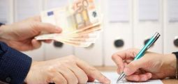 U miratuan kreditë e para pa normë interesi në mbështetje të 136 kompanive të vogla dhe të mesme