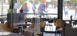 Кафулињата и рестораните почнуваат со работа, дозволено максимум четири лица на една маса