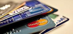 Elezi: Nënshkruhen kontratat me 9 banka vendore për lëshimin e kartelave pagesore!