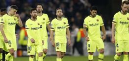 Suarez scores twice, late Aspas goal rocks Barcelona title challenge