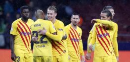 Real Madrid stay in pole position, Barca keep title hopes alive
