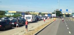 Shtetasit e Maqedonisë të padëshiruar në Europë, kthehen 33 autobusë nga pika kufitare Serbi-Hungari