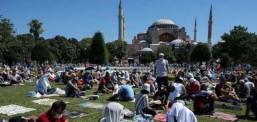 Реакции во Грција за првата молитва во Света Софија
