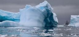 Në Arktik u zhdukën dy akullnaja të vjetra 5.000 vite