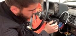 Studenti nga Tetova e transformon në moderne makinën e vjetër polake, përmes një sistemi elektronik