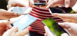 Në celular në muaj flasim nga 3,5 orë, në telefon fiks nga gjysmë ore