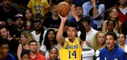 Davis stands tall under pressure to deliver Game 2 win to Lakers