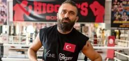 Ünlü boksör Ünsal Arık'ı tehdit edenler yakalandı