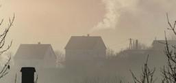 Научници: 15% од смртните случаи од Ковид-19 во светот веројатно се должат на загадениот воздух