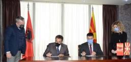 Северна Македонија и Албанија со спогодба ќе го заштитат рибниот фонд во Охридското и Преспанското Езеро