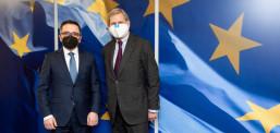 Takimi i Besimit me eurokomisarët Hahn dhe Gentiloni: Janë plotësuar kushtet për transhën e dytë prej 80 milionë euro për kapërcimin e krizës