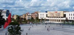 Албанија воведува двонеделен карантин за сите кои доаѓаат од Северна Македонија и од Грција