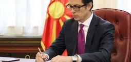 Пендаровски ги потпиша указите за прогласување на законите од петтиот пакет мерки