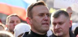 Навални пренесен во затворска болница
