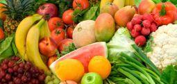 Yemek masasında daha uzun süre oturan çocuklar daha fazla meyve sebze yiyor