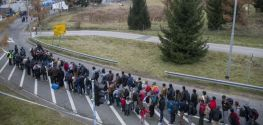 Slovenia to extend anti-migrant fencing along border with Croatia