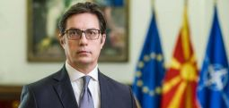 Пендаровски патува во Атина во прва официјална посета на претседател на С Македонија на Грција