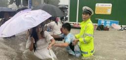 Кина евакуираше 120 илјади лица поради поплавите