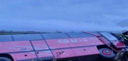 Përmbyset autobusi me punonjës në Manastir