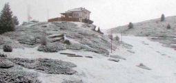 Снег падна во делови од државата
